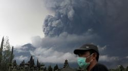 Bali's Erupting Volcano Raises Air Travel