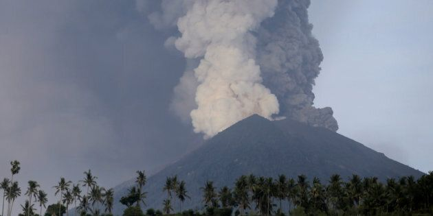 Major Australian Airlines Cancel Flights To And From Bali As Volcano Spouts