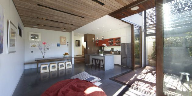 Concrete floors, shading devices and plenty of solar