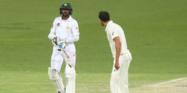 Mitchell Starc politely asks Mohammad Amir whether he likes his tea with