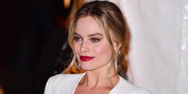 NEW YORK, NY - NOVEMBER 28:  Margot Robbie arrives to the 2016 IFP Gotham Independent Film Awards at Cipriani Wall Street on November 28, 2016 in New York City.  (Photo by James Devaney/GC Images)