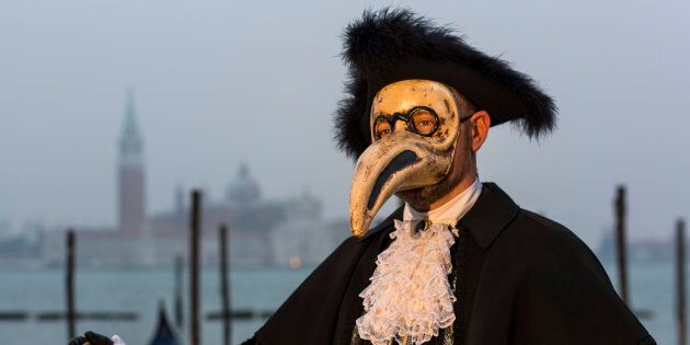 This is what a Plague doctor actually looked