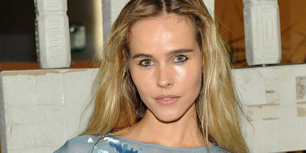 Home and Away actress Isabel Lucas wants dolphins in captivity to