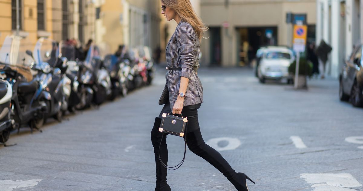 8fc700a87978aa Stylish Women Have Very Few Clothes. Here's How They Do It ...