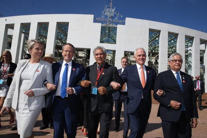 Ken Wyatt (r) joined Tanya Plibersek, Bill Shorten, Charlie King and Malcolm Turjnbull in linking arms at the No More event in support of ending family violence