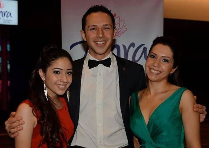 Arman with his sisters Anita (L) and Atena (R)