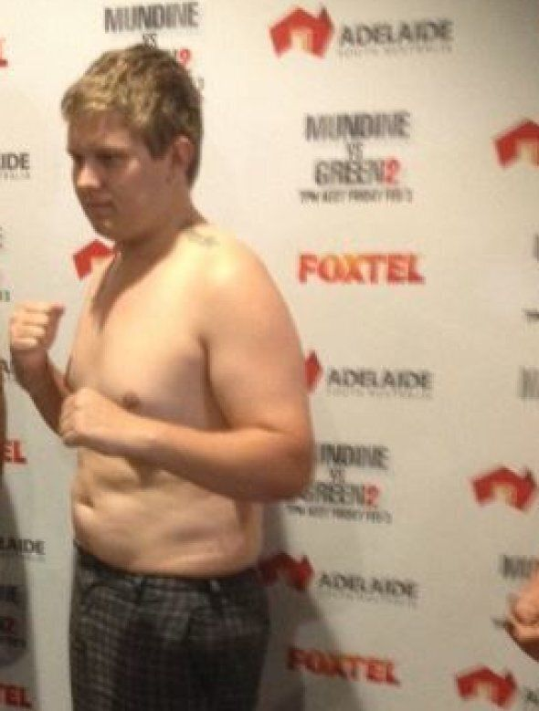 We're Flab-bergasted By This Pro Boxer For All The Obvious