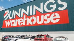 An Aussie Expat Has Delivered The First Review Of UK Bunnings' Sausage