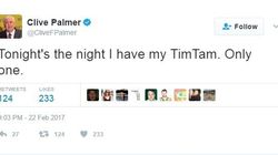 Clive Palmer Shows Incredible Self Control With A Single Tim