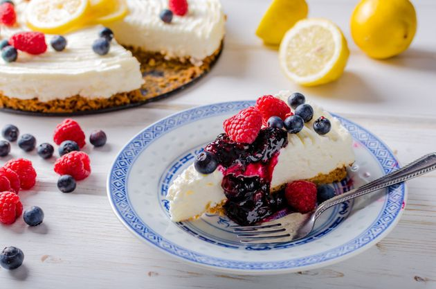 9 Easy Cheesecakes To Make (And Eat) Now And