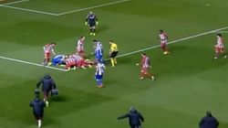 Teammate Jumps To Help Fernando Torres After He Was Knocked