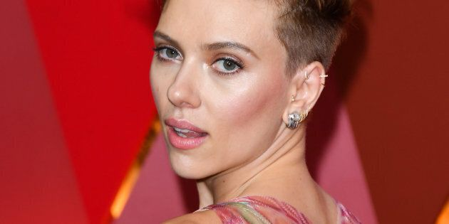 HOLLYWOOD, CA - FEBRUARY 26:  Scarlett Johansson attend the 89th Annual Academy Awards at Hollywood & Highland Center on February 26, 2017 in Hollywood, California.  (Photo by George Pimentel/FilmMagic)