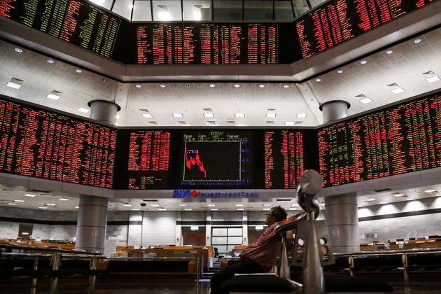 Καθυστερεί η τρίτη έξοδος στις αγορές λόγω