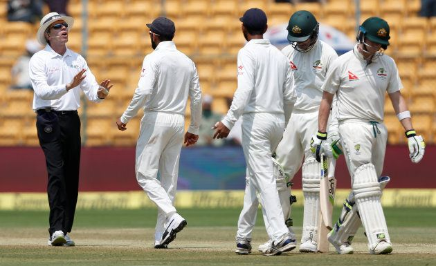 Kohli immediately approached the umpire to complain about Smith, which he was justified in doing.