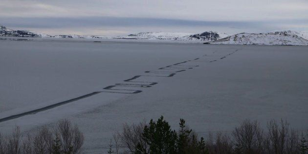 Strange zig-zags have formed across Lake Thingvallavatn in