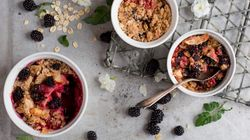 This Single-Serve Fruit Crumble Satisfies Any Sweet