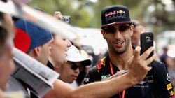Daniel Ricciardo 'Mobbed' By Fans Ahead of Melbourne Grand
