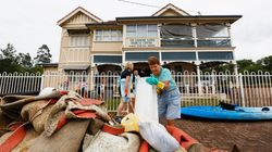 Lowlife Looters Are Stealing From Flood Victims In