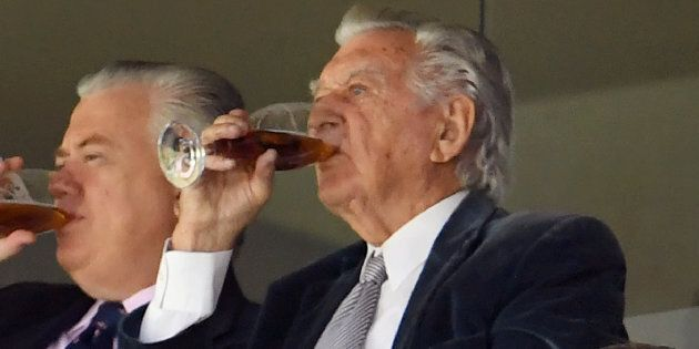 Bob Hawke enjoying a beer on his own time.