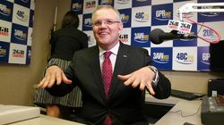 Scomo Caught 'Two-Timing' Ray