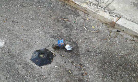 Επίθεση κουκουλοφόρων με μάρμαρα και ενισχυμένες μολότοφ στα