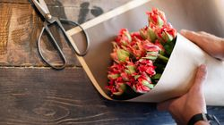 Make A Stunning Bunch Of Flowers From Cheap Supermarket