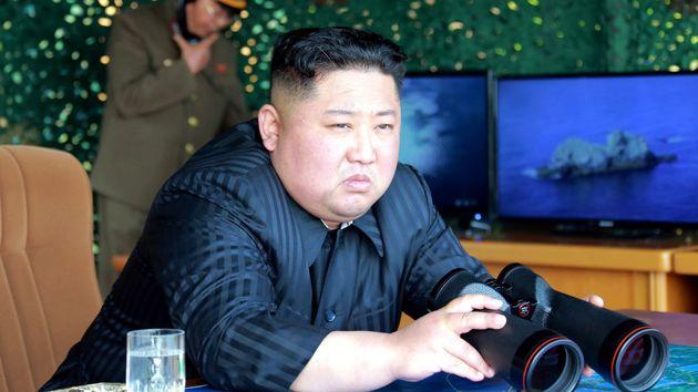 Kim Jong-un, el pasado sábado, durante el lanzamiento de nuevos