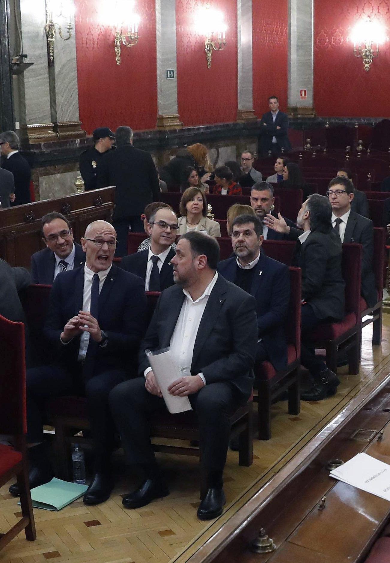 La Fiscalía se opone a poner en libertad a los presos independentistas elegidos el