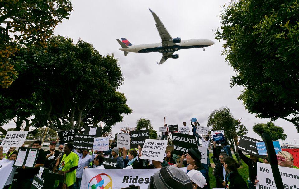 H πρώτη μαζική απεργία των οδηγών της Uber - Ποια είναι τα αιτήματά