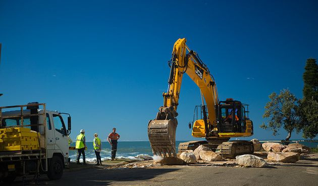 Council, SES and police are working to temporarily shore up waterfront