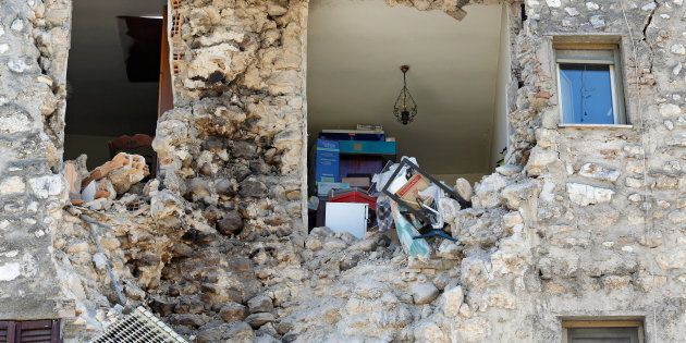 A damaged house is seen following an earthquake in Norcia, Italy, October 30, 2016. REUTERS/Remo
