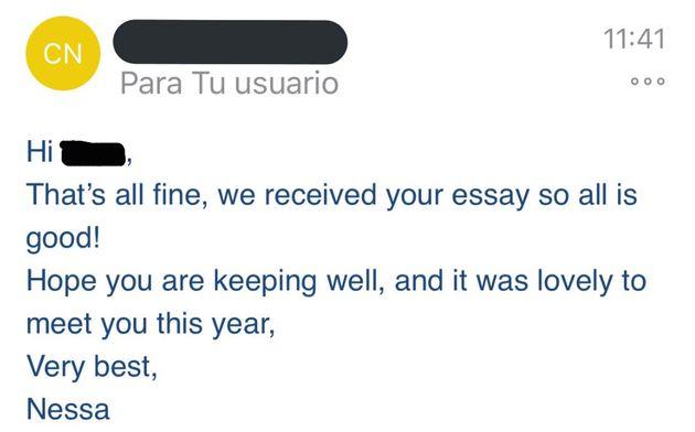 Un estudiante compara a un profesor español con uno extranjero con estos dos emails que recibió: nadie...
