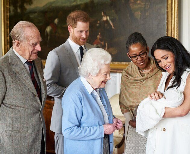La présence de Doria Ragland, la mère de Meghan Markle, sur la photo officielle d'Archie est un moment...