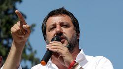 Matteo Salvini se ne frega: dal giubbotto Pivert alla difesa di Altaforte, continua a lisciare il pelo al mondo fascistoide (...