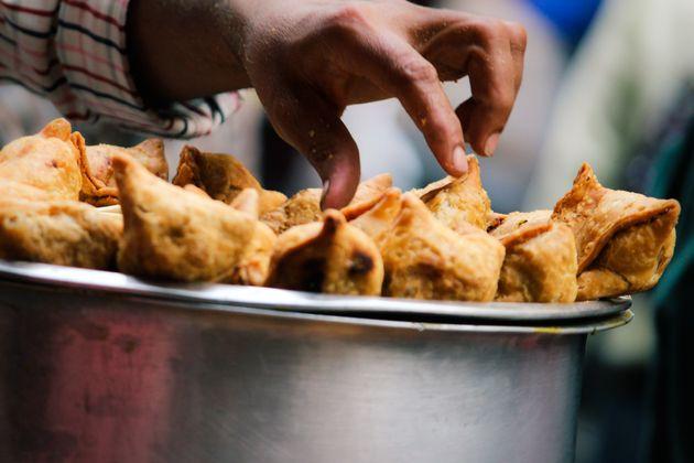 Vai viajar? Conheça as melhores comidas de rua do