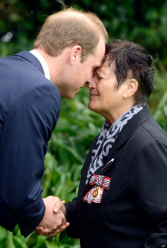 Stephen Harper Rubs Noses With Maori In New Zealand (VIDEO,
