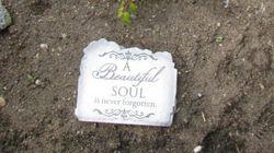 Amanda Todd Memorial Plaque Stolen From Mother's