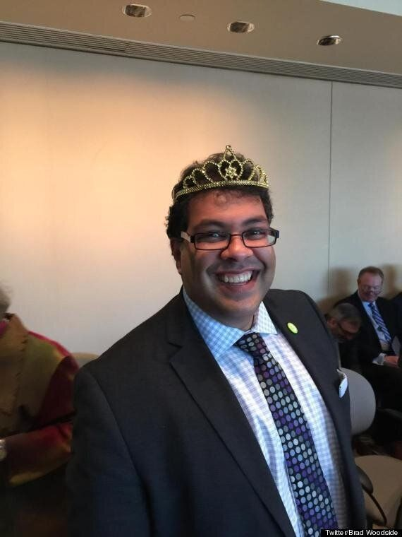 Naheed Nenshi Gets Tiara For World's Most Outstanding Mayor