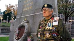 Vet Guards Vancouver Cenotaph In Honour Of Ottawa