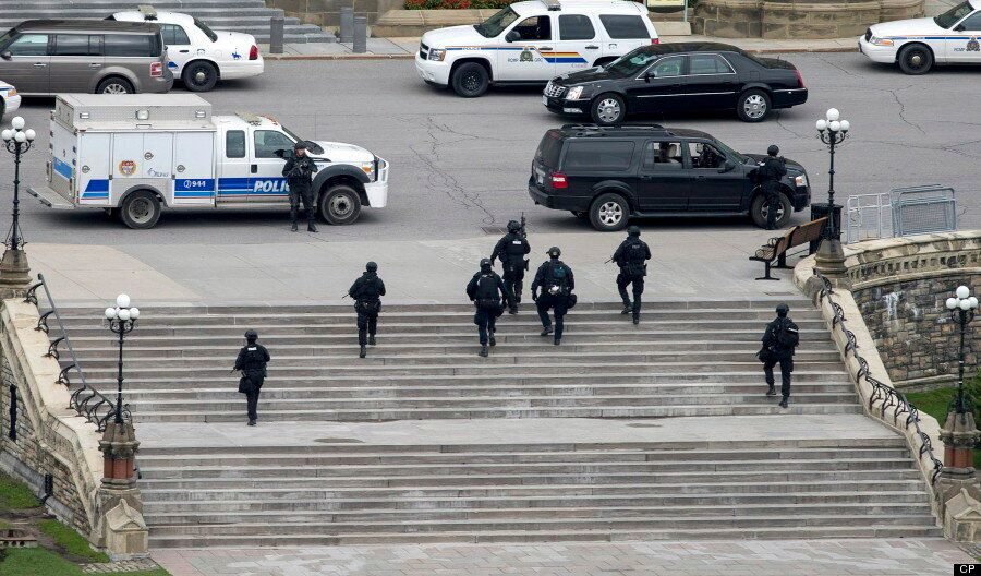 Dramatic Images From Ottawa After Gunman Kills Soldier, Storms Parliament