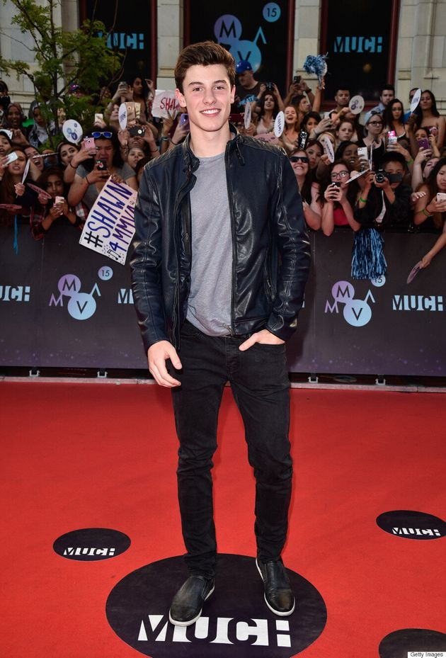 Shawn Mendes Makes The Crowd Go Wild At The 2015