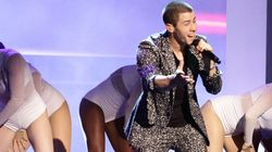 Nick Jonas' Printed Suit Will Make You