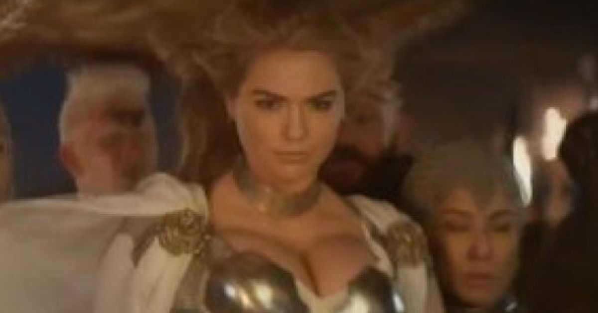 Game Of War S Super Bowl Ad Is Pretty Much Kate Upton In Game Of