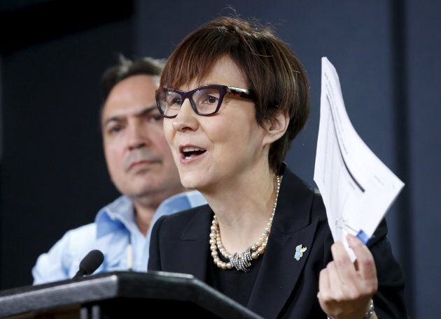 Cindy Blackstock (R), executive director of the First Nations Child and Family Caring Society Caring Society, Jan. 26, 2016. (Photo: Chris Wattie/Reuters)