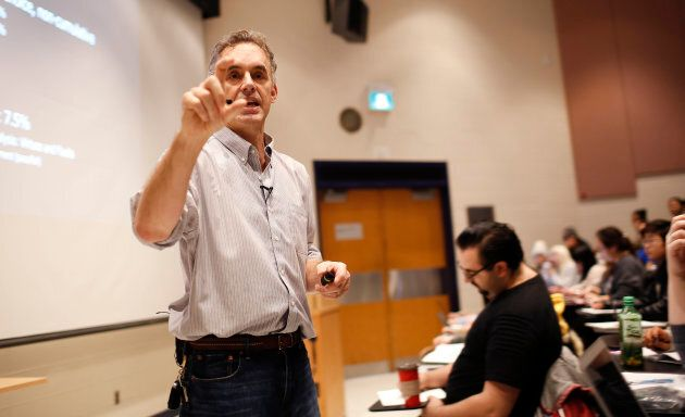 Jordan Peterson during his lecture at U of T. Peterson is the professor at the centre of a media storm because of his public declaration that he will not use pronouns, such as 'they,' to recognize non-binary genders. This lecture had no reference to the hot topic.