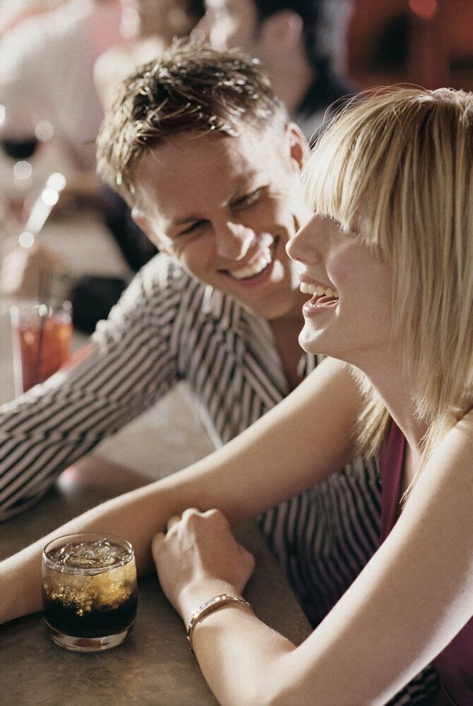 Women are pickier than men, right? Not true, says a speed-dating study at Northwestern University. When men remained seated a