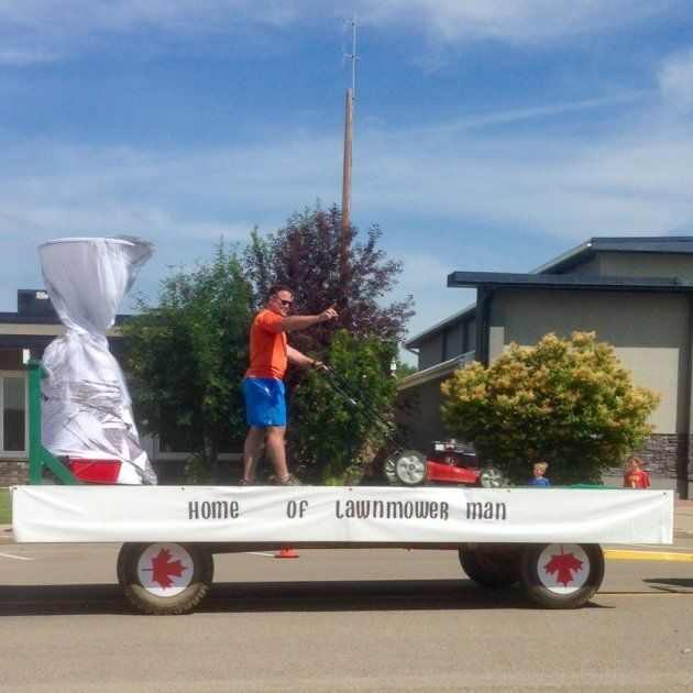 Theunis Wessels, Tornado Lawn Mower Dad, Had His Own Float At Three Hills, Alta.