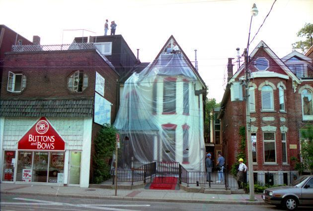 206 Carlton St., Ernst Zundel's house on May 7, 1995, after a