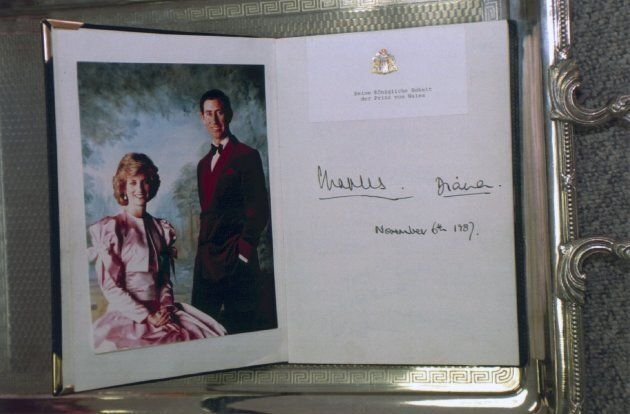 Senatsbarkasse guestbook with the signatures of Prince Charles and Princess Diana from June 11, 1987,...