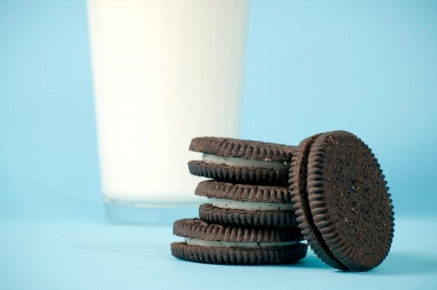 The Ideal Length Of Time To Dunk An Oreo In Milk For Depends On How You Like Your